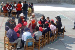 Theaterprojekte sensibilisieren Jung und Alt für Gewalt gegen alte Menschen in Peru